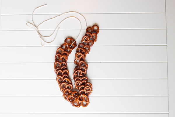 pretzle necklace